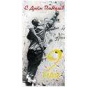 С Днём Победы! 9 Мая. Советский боец делает памятную надпись